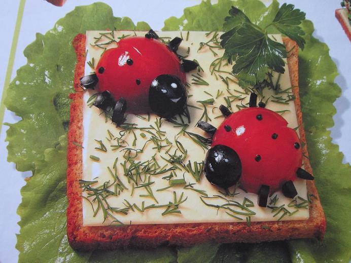 Бутерброд с божьей коровкой рецепт