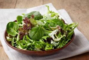 Салат из микса зелени